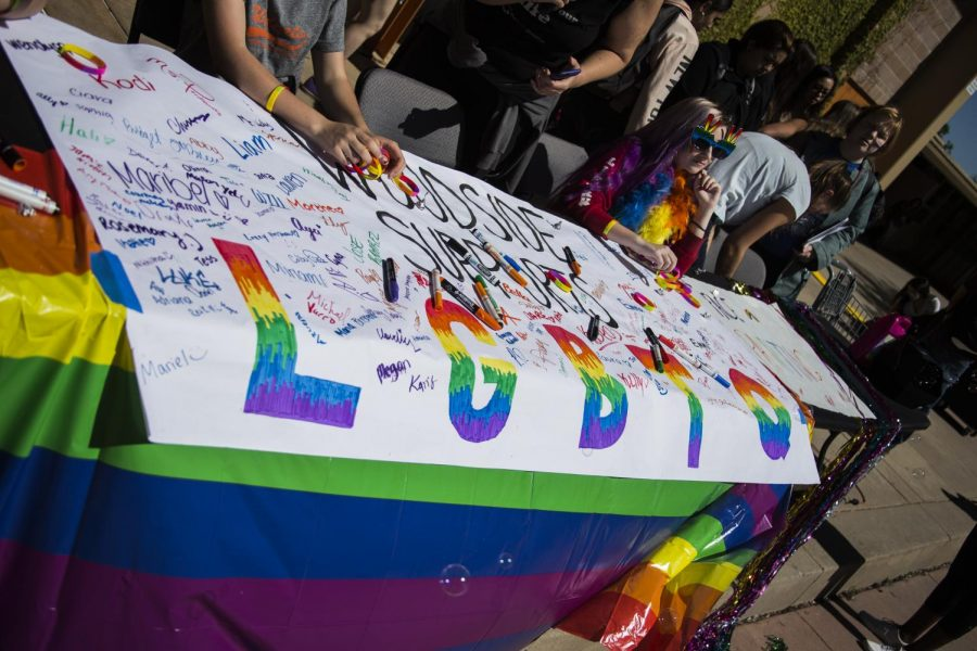 Students+showed+their+support+for+the+LGBTQ%2B+community+at+Woodside.
