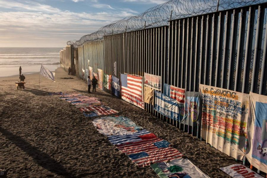 A+section+of+the+fence+along+the+United+States-Mexico+border.