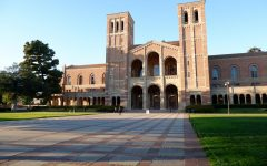Woodside Juniors Visit Southern California Colleges on a Sponsored Trip