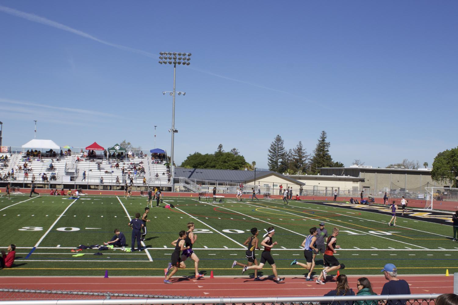 Woodside+JV+boys+try+their+best+to+sweet+in+heat+three+of+the+3200+%288+laps%29