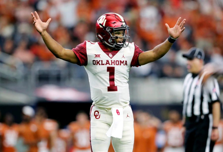 Kyler Murray celebrates after throwing a touchdown