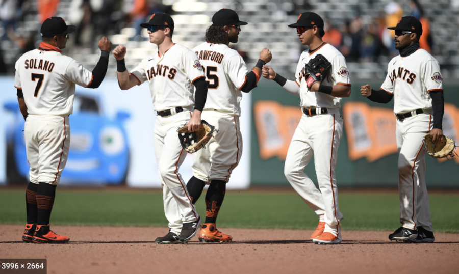 In the five game National League Division series, the Giants lead 2-1 against the Dodgers.
